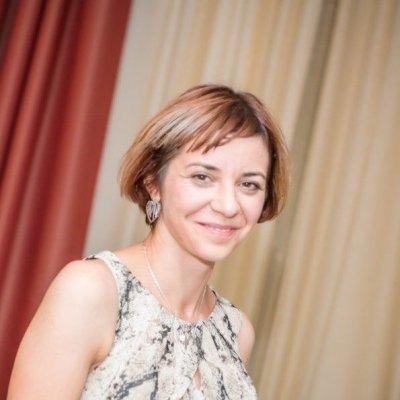 SILVIA LAPADAT